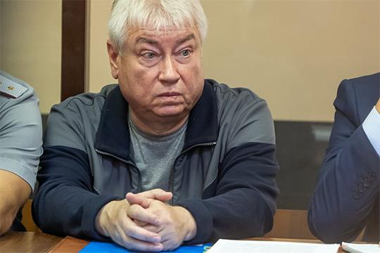 Роберт Мусин сильно недоволен тем, что Рогожкина в октябре 2017 года собрала собрание кредиторов, включив в повестку дня пункт об оплате услуг оценщика за счет имущества должника