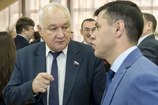 Как минимум для институциональной поддержки национального образования нужно реализовать те положения, которые были продекларированы депутатом Госдумы Ильдаром Гильмутдиновым