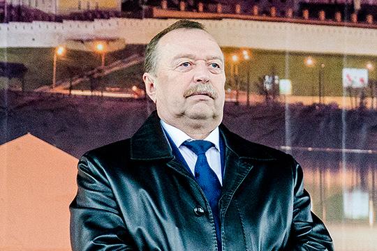 Что касается опустевшего кресла главы Тюлячей, то, по данным «БИЗНЕС Online», новым главой района может стать Назип Хазипов