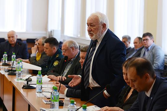 Прибавил четыре пункта один из патриархов Челнов — председатель правления ТПП Юрий Петрушин