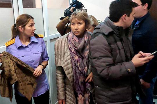 «Меня оговорили, суд восстановит справедливость», — заявила сегодня журналистам замруководителя Росреестра РТ Ада Зайдуллина