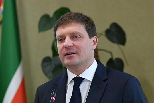 Президент РТ одобрил проект московского продюсера Евгения Мелентьева о создании Татарстане киностудии полного цикла. При этом местным кинематографистам в подобной просьбе отказывали