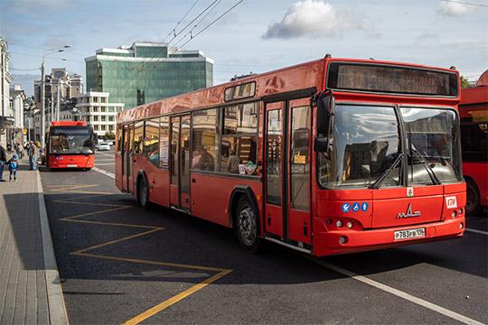 Проблема с компенсацией расходов на перевозку льготников в общественном транспорте не сдвигается с места, а перевозчики от безвыходности продают своих автобусы