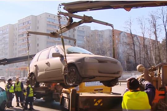 Вотношении водителей, нарушающих правила парковки, применяются меры административного воздействия, втом числе эвакуация транспортных средств.