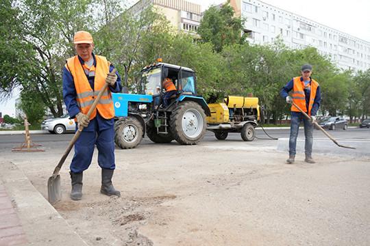 Продолжается почастям ремонт научастке дороги отОрловского кольца допроспекта Яшьлек. Вследующем году планируется продолжить ремонт отпроспекта Хасана Туфана доЯшьлека идалее