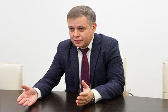 Эмиля Алиаскарова характеризуют как скрупулезного вделах, опытного и эффективного адвоката
