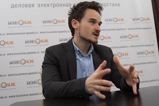 Азат Гимадеев: «Главная фишка втом, что прямо через приложение можно арендовать площадку. Вместо долгого иневсегда успешного обзвона спортзалов— быстрый поиск, выбор свободной ячейки врасписании ивозможность оплаты»