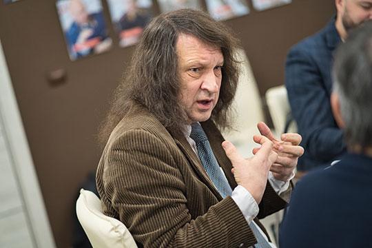 Павел Шмаков: «Плюс в том, что страна в целом поднимается, правда поднимается. Минус в том, что конкуренцию пытаются уменьшить»