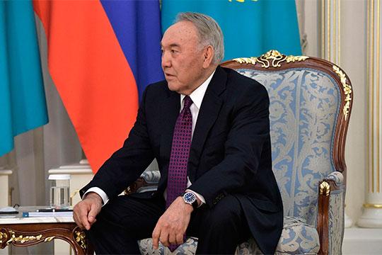 «В отставку уходит многолетний президент Казахстана Нурсултан Назарбаев; благодарный народ немедленно переименовывает столицу страны в Нур-Султан»