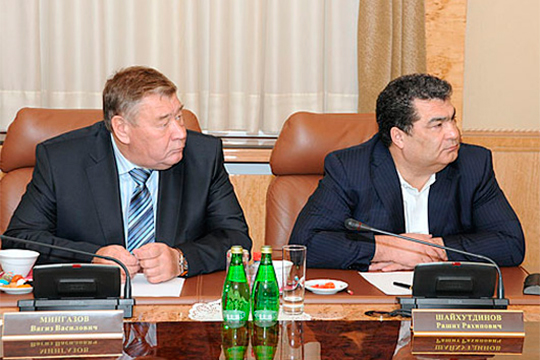 Из-за проблем с кредитами внизу рейтинга оказался бывший главный молочник Татарстана Вагиз Мингазов (слева), а бывший «водочный король» Рашит Шайхутдинов (справа) и вовсе покинул свой пост и наш топ