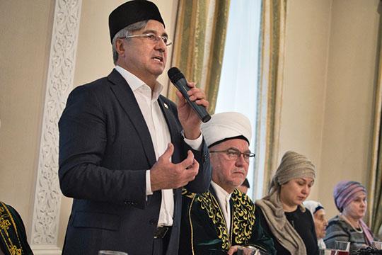 Василь Шайхразиев рассказал, какую роль играл Шакиров для нации, как его любили зрители, и заявил о задаче увековечения памяти великого сына татарского народа
