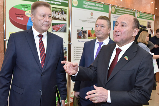 Фермеры прошли рука обруку с Маратом Ахметовым (справа) сложный путь становления отнеприятия дополного взаимопонимания свластями республики
