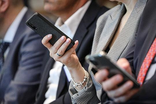 По телефону и в сети мошенникам удалось обмануть 739 человек, чьи обращения в полицию составили 40% от всех заявлений