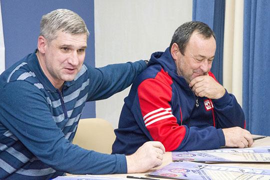 Владимир Клонцак(слева):Первая лига идеально подходит для обкатки перспективных футболистов. Есть примеры, когда игроки раскрывались в ФНЛ и показывали качественный футбол и в дальнейшем