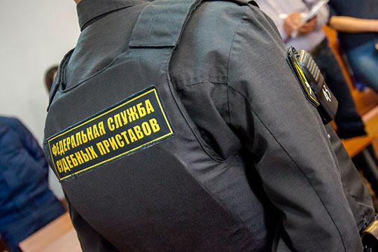 Как сообщили Кузнецову в московском ведомстве ФССП, арест его счетов связан с долгами по алиментам, но не его, а его однофамильца, который сейчас находится в розыске
