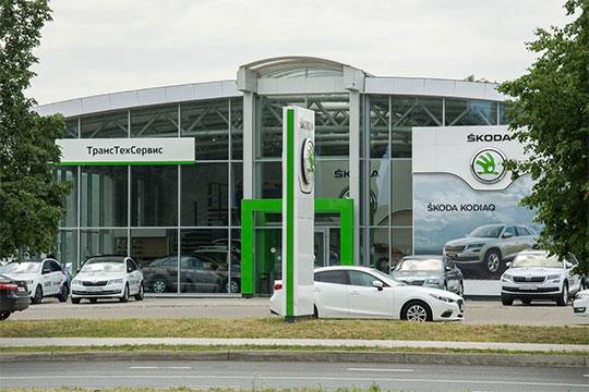 Входящая вконцерн VWчешская мануфактура Skoda добрала еще 165 баллов до1792 регистраций (+10%), врамках всей страны еепродажи выросли на28% до57,5тыс. авто