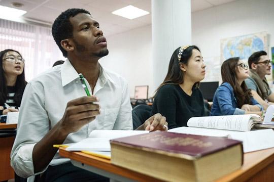Арабская осень вКФУ: УБЭП устроит иностранным студентам экзамен порусскому?