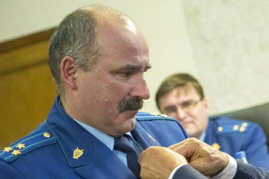 Ринат Латыповпривел статистику:осужден 191 коррупционер. Среди них в«лидерах»— сотрудники правоохранительных органов, загод приговор получили 22 «оборотня впогонах»