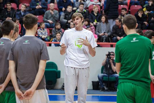 С приходом Андрея Кириленко стало как-то спокойнее, он профессионал. Главные его задачи — сборная России, международные соревнования, молодежные команды