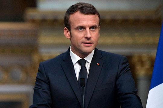 Эмманюэль Макроннакануне вечером выступил сзаявлением перед нацией. 25-й президент Франции объявил овведении встране чрезвычайного экономического исоциального положения