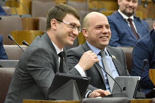 Артем Прокофьев (слева)