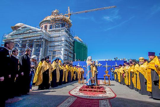 Митрополит Феофан: «Это надо видеть, как быстро воссоздается собор. Все удивляются!»