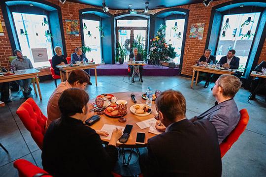 В уютной атмосфере одного из ресторанчиков на улице Карла Маркса прошел вчера пресс-завтрак с участием спикера Госсовета РТ Фарида Мухаметшина, а также депутатов Госдумы РФ от Татарстана