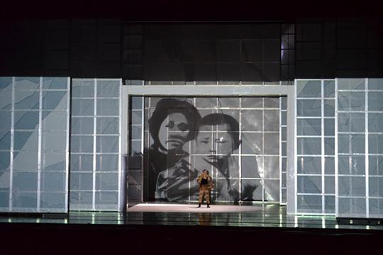 «Мадам Баттерфляй», которая появилась насцене Казанской оперыв2009 году,прожила еще один вечер вформате «дежурное возобновление»