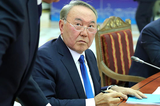 «Выпросто трусы, анеминистры!»: почему Назарбаев спозором разогнал правительство?