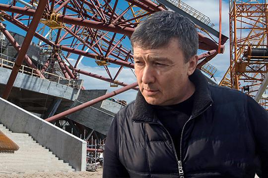 Основной субподрядчик строительства «Самара Арены» — принадлежащий Равилю Зиганшину «Татдорстрой» — обратился в полицию с требованием возбудить в отношении Уласевича уголовное дело о хищении 2,5 млрд рублей