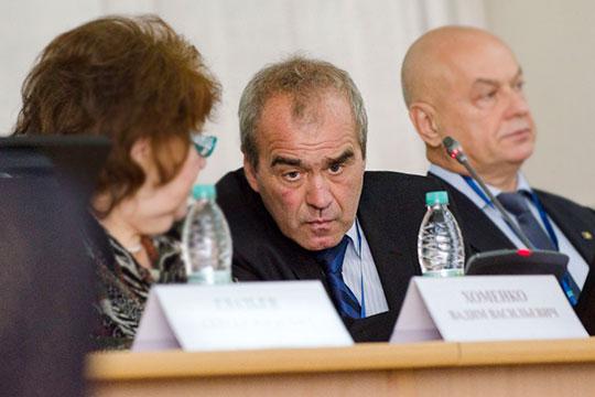 Вадим Хоменко (в центре): «Силуанов же сказал: нерентабельно. Это мнение министра финансов, которое согласовано с президентом»