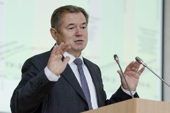 Сергей Глазьев говорил, подкрепляя свои слова массой графиков, отом, что Соединенные Штаты потихоньку переходят наследующий экономический уклад