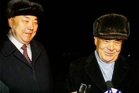 Своеобразная точка невозврата между Шаймиевым иРахимовым была пройдена в2002 году, когда вКазани состоялся 3-й Всемирный конгресс татар
