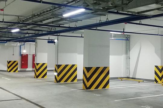 В ходе экскурсии выяснились любопытные факты: на 18 квартир в доме приходится 63 парковочных места (располагаются они на 2 этажах подземного паркинга)