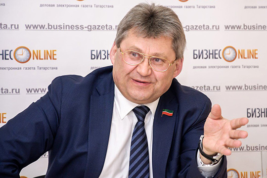 «Имнадо 100 тысяч рублей зато, чтобы бумажки перекладывать!»