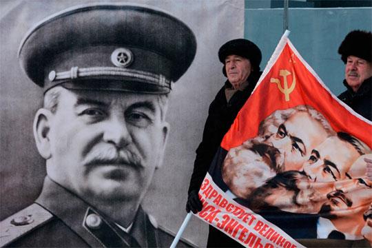 «Уменя вЖЭКе висит распечатанный портрет Сталина сподписью: «Меня навас нет»