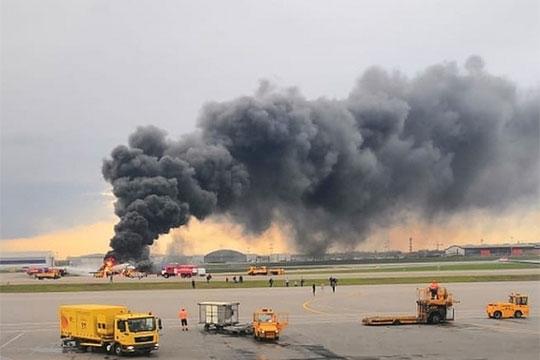 «На самом деле самолеты регулярно попадают в грозу. И это не должно приводить к катастрофическим последствиям и отказу оборудования»