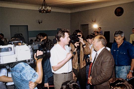 Сергей Доренко (в центре). 1990 год