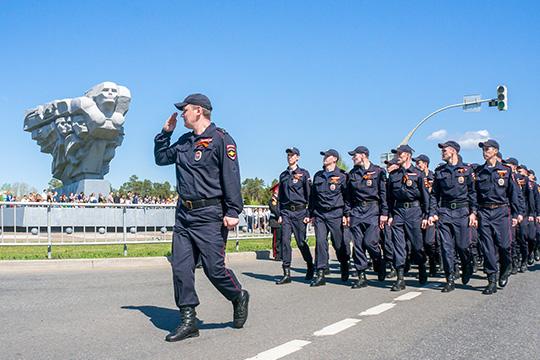 «Очень нехватает памятника Леониду Брежневу. Без него Челны оставалисьбы деревней»