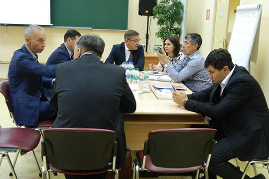 Для участия вмозговом штурме было приглашено около 50 предпринимателей, работающих врайоне всамых разных отраслях