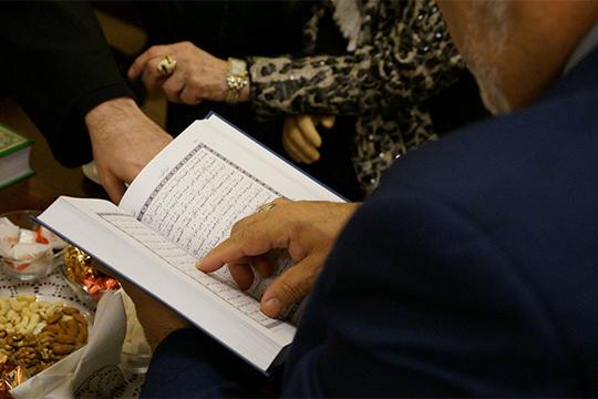 «Еепереводы исегодня внаших сердцах. Это лучшие переводы Корана. Особенно вновый период»