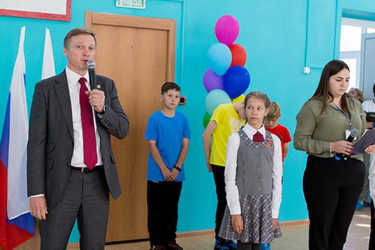 Альберт Каримов: «Это решение шло от сердца, я проучился в сорок второй школе все десять лет, много времени проводил с друзьями на борцовском ковре как раз здесь, в малом спортзале»