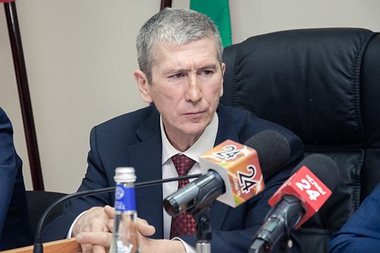 Покидает пост заместитель председателя Набережночелнинского городского суда Айрат Идрисов. Он ушел в отставку по собственному желанию