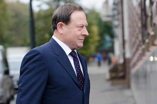 Алексей Демидовотметил, что счетная плата при поддержке правительства РФпредложила впредь выделять регионам деньги федерального бюджета настроительство сучетом числа долгостроев
