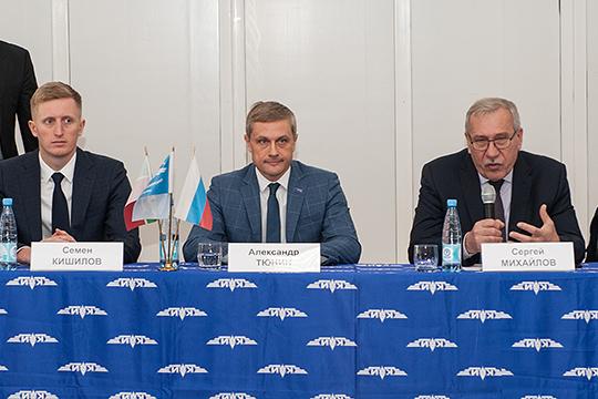 По словам замгендиректора Umatex Семена Кишилова (слева), сегодня российские материалы не хуже импортных, вот только проектировщики изделий из них зачастую не ориентируются в теме