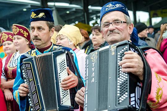 «Даже надеть тюбетейку на семейном празднике — тоже значит для многих быть татарином»
