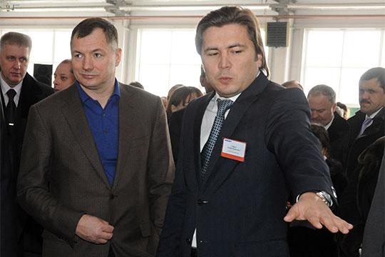О дружеских связях Сафаева инынешнего вице-мэра МосквыМарата Хуснуллина (слева)досих пор ходят слухи
