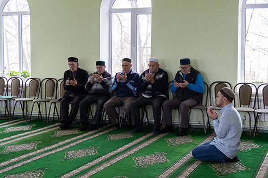 «Нужно задать вопрос: непочему имамов мало населе, акак они появляются, хотя для них инесоздают условия для жизни?»