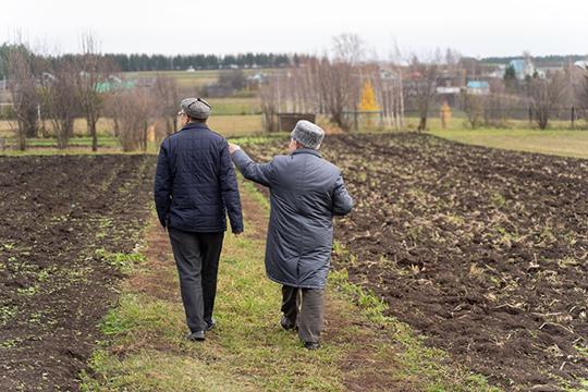 «Любые отрасли возьмите, хоть религиозную, хоть инфраструктуру — дороги, деревни. Как можно быть недовольным руководством Татарстана?»