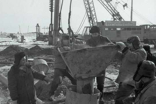 Челнинский Завод ячеистых бетонов был открыт в1962 году, как многопрофильное предприятие повыпуску стройматериалов— впервую очередь онобеспечивал бетоном первостроителей автограда